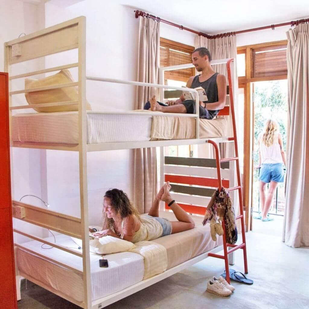 Hangover_Hostels_room